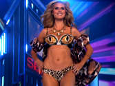 Heidi Klum looks smoking hot in underwear and lingerie
