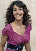 Jennifer Beals bio picture