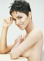 Halle Berry bio picture