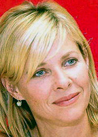 Kate Capshaw bio picture