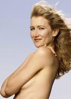 Laura Dern bio picture