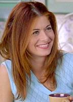 Debra Messing bio picture