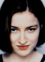 Kelly MacDonald bio picture