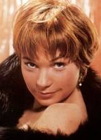 Shirley MacLaine bio picture