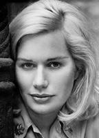 Sally Kellerman bio picture