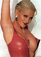 Sally Kirkland bio picture
