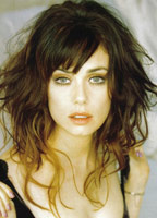 Mia Kirshner bio picture