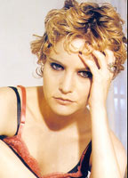 Jennifer Jason Leigh bio picture
