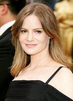 Jennifer Jason Leigh bio picture