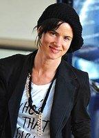 Juliette Lewis bio picture