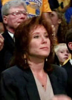 Mary McDonnell bio picture