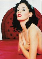 Rose McGowan bio picture