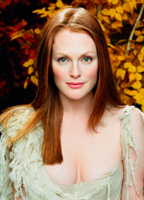 Julianne Moore bio picture