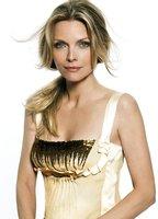 Michelle Pfeiffer bio picture