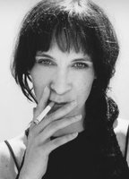 Amanda Plummer bio picture