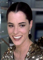 Parker Posey bio picture