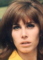 Stefanie Powers bio picture