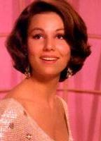 Paula Prentiss bio picture
