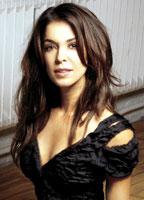 Annabella Sciorra bio picture