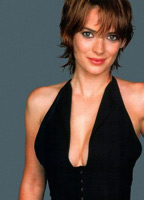 Winona Ryder bio picture