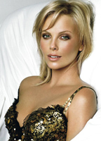 Charlize Theron bio picture