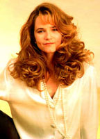 Lea Thompson bio picture
