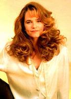 Lea Thompson bio picture