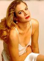 Kathleen Turner bio picture