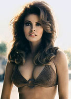 Raquel Welch bio picture
