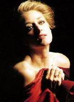 Patricia Wettig bio picture