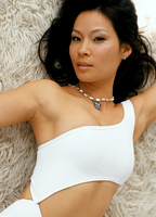 Lucy Liu bio picture
