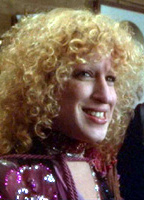 Bette Midler bio picture