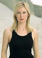 Kelly Rutherford bio picture