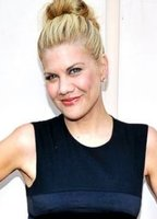 Kristen Johnston bio picture
