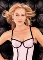 Julie Benz bio picture
