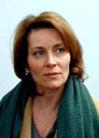 Lisa Harrow bio picture