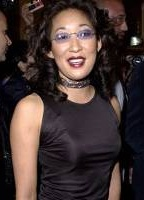 Sandra Oh bio picture