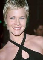 Josie Davis bio picture