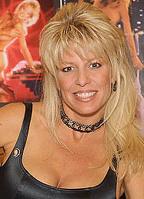 Dona Speir bio picture