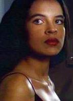 Zuleikha Robinson bio picture