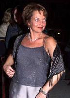 Pamela Reed bio picture
