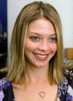 Amanda Detmer bio picture