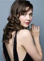 Maggie Gyllenhaal bio picture