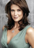 Sarah Lancaster bio picture