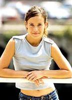 Marta Etura bio picture