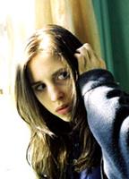 Emily Perkins bio picture