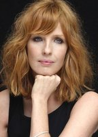 Kelly Reilly bio picture