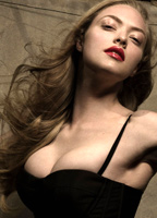 Amanda Seyfried bio picture