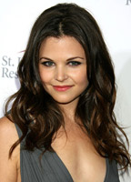 Ginnifer Goodwin bio picture