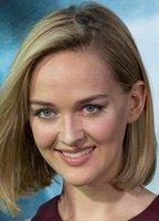 Jess Weixler bio picture